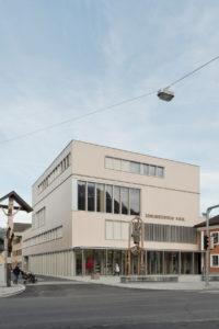 Gemeindezentrum Kuchl, LP architektur (Foto Volker Wortmeyer Photography)