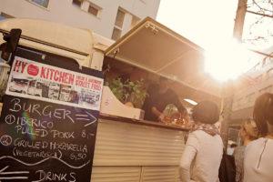 """Foodtrucks wie die """"hy-kitchen"""" sorgen für trendige Snacks. Foto: hy-kitchen"""