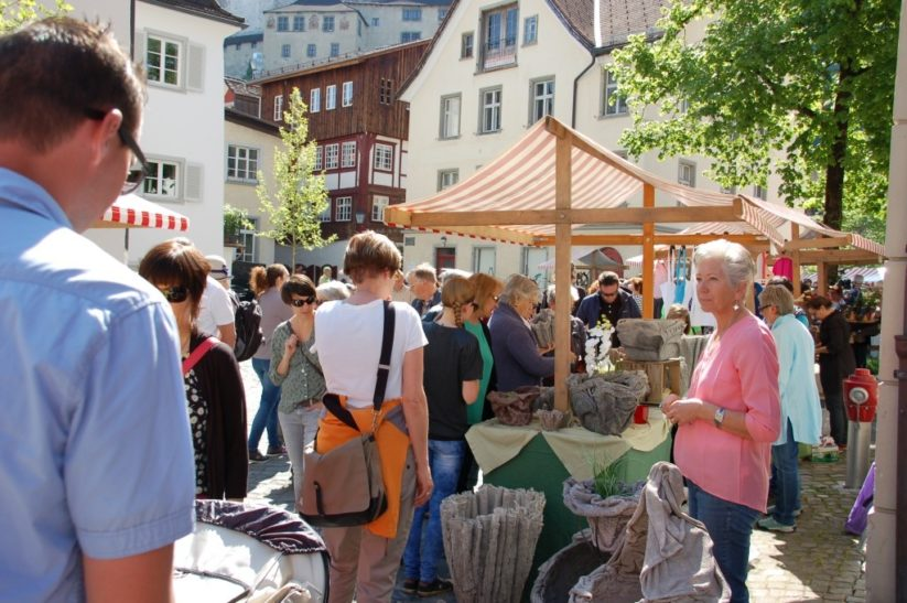 Kunsthandwerkermarkt ist ein seit vielen Jahren sehr erfolgreicher Themenmarkt.