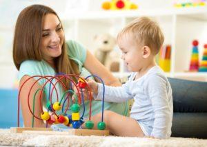 Außerfamiliäre Kinderbetreuung: Der Babysitter