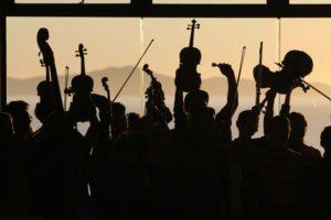 Städte- und Gemeindepartnerschaften: Gemeinsam musizieren. Foto: Ernesto Eslava