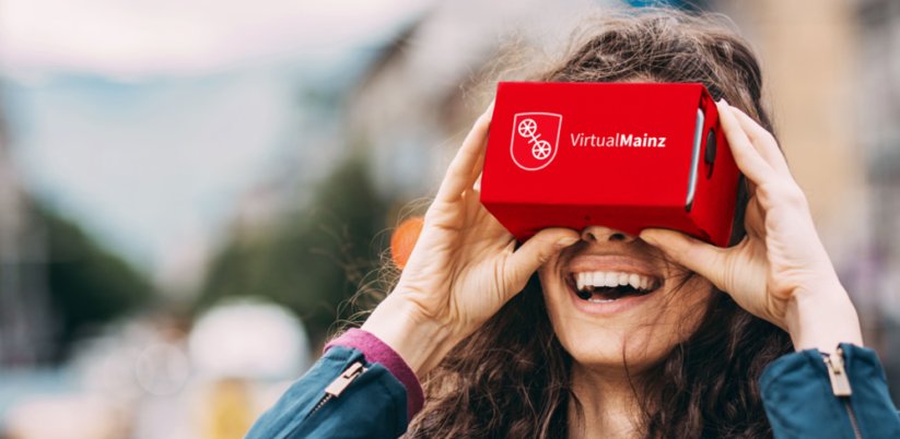 Mobiles Stadtmarketing: Virtuelle Stadtführung in Mainz mit VR-Brille und Smartphone
